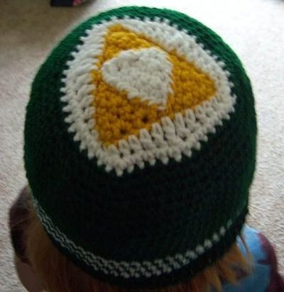 April Draven: Zelda Triforce Hat Free Pattern / crochet ideas and tips ...