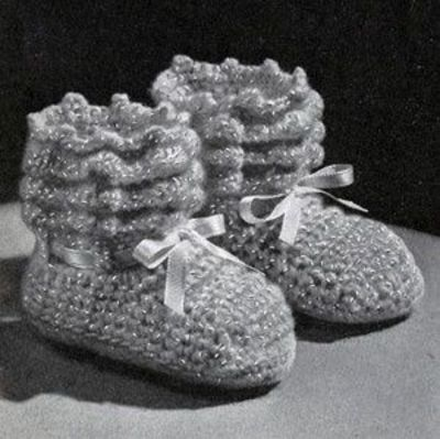 NEW! Shell Stitch Baby Set crochet pattern from Baby Book Crocheted & Knitted, Star Book No. 153.