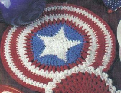 Looks almost like a Captain America Shield. Free American Stars   Stripes  Hot Pad Crochet f87e3ff2d04