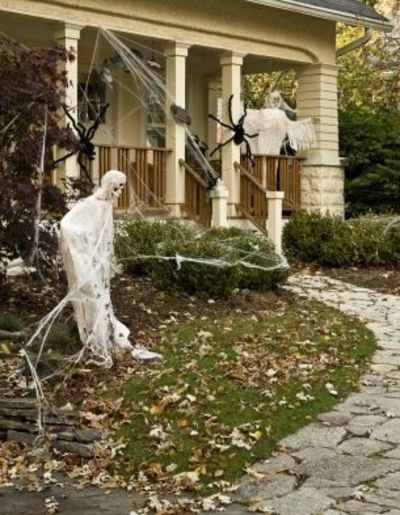 Good halloween haunted house ideas life123 halloween for Good themes for a haunted house