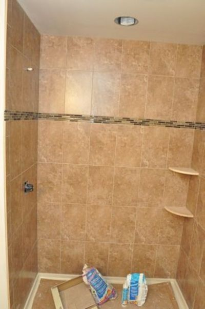 Tips for installing corner shelves in tile shower bath