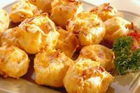 Bacon and cheddar cheese puffs