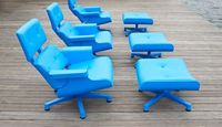 Want this: A blue plastic Eames chair - The Mal 1956.