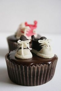 Converse All Star Cupcakes on http://palachinkablog.com