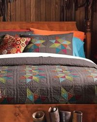 Easton Star Quilt from #garnethill - classic design, but modern color choices--love this pattern and colors!