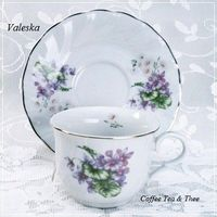 Discount Teacups of Porcelain China that are Cheap without a cheap look for your Large Tea Party.