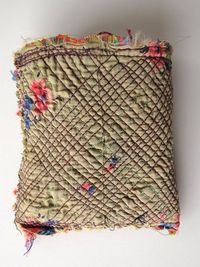 stitches - Indian purse via Anja Brunt