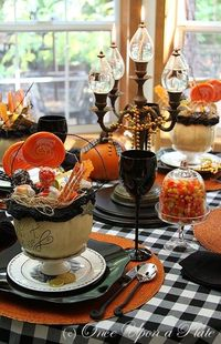 Boo-tiful table scape
