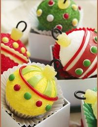 Ornament Cupcakes by Wiltons