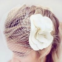 DIY headpiece + veil tutorials.