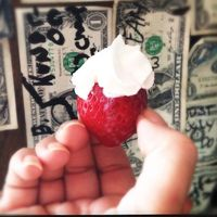 All my favorite drinks come from the Lake Erie Islands in Ohio including this fantastic strawberry shot! Have you had it?