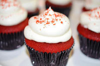 Red Velvet Cupcakes with Chocolate Ganache Filling