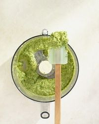 How to make pesto.