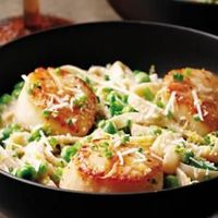 Low-Calorie One-Dish Recipes Creamy Scallop & Pea Fettuccine