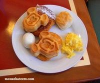 Why Does Everybody Go Crazy For Free Disney Dining? (Article on Couponing to Disney)