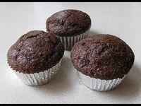 Low-Carb & High-Protein Chocolate Muffins!