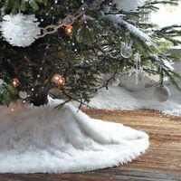 Faux fur tree skirt via West Elm