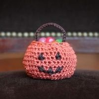 Miniature jack-o'-lantern -- an adorable, Halloween-themed amigurumi